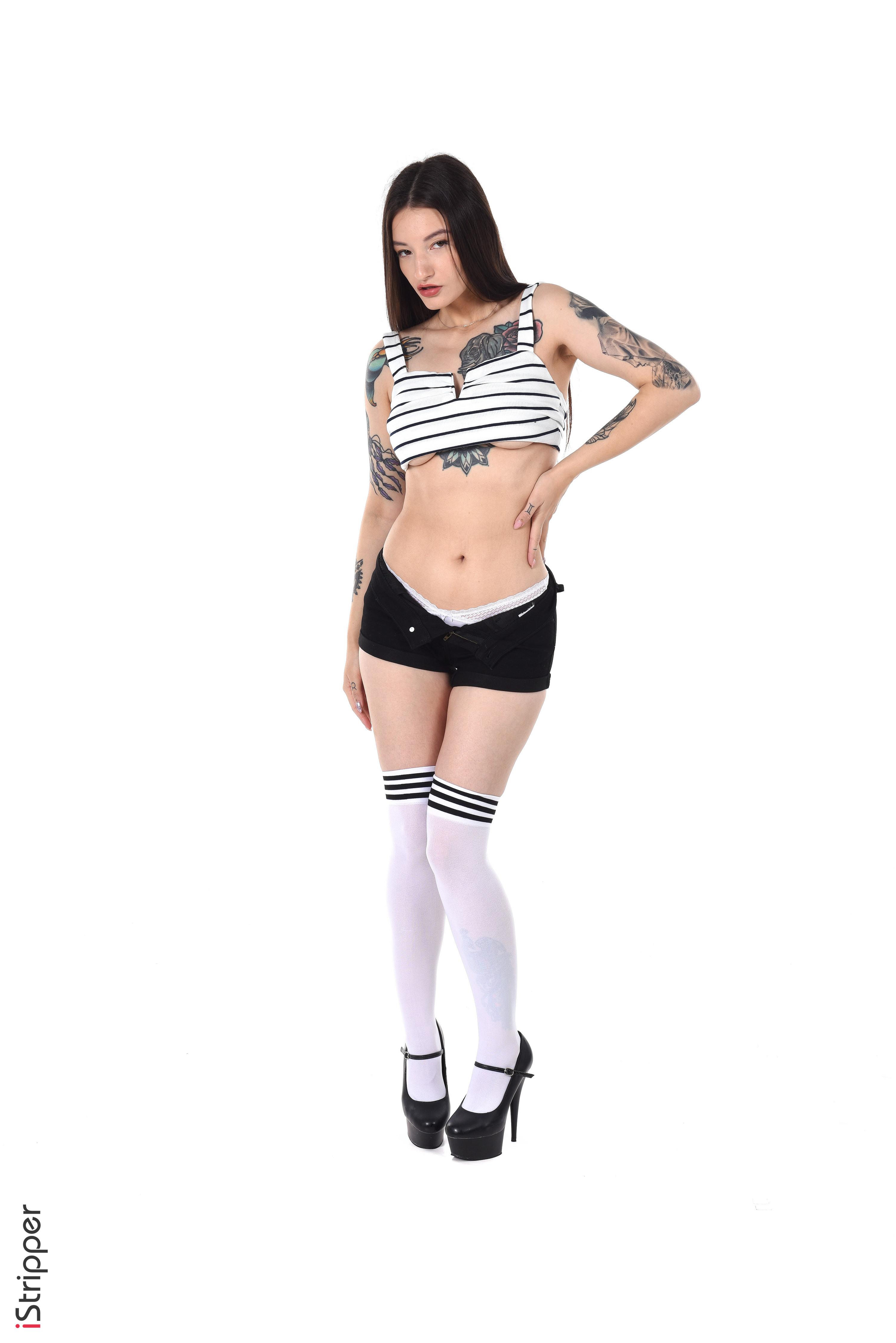 jessica alba sexy striptease