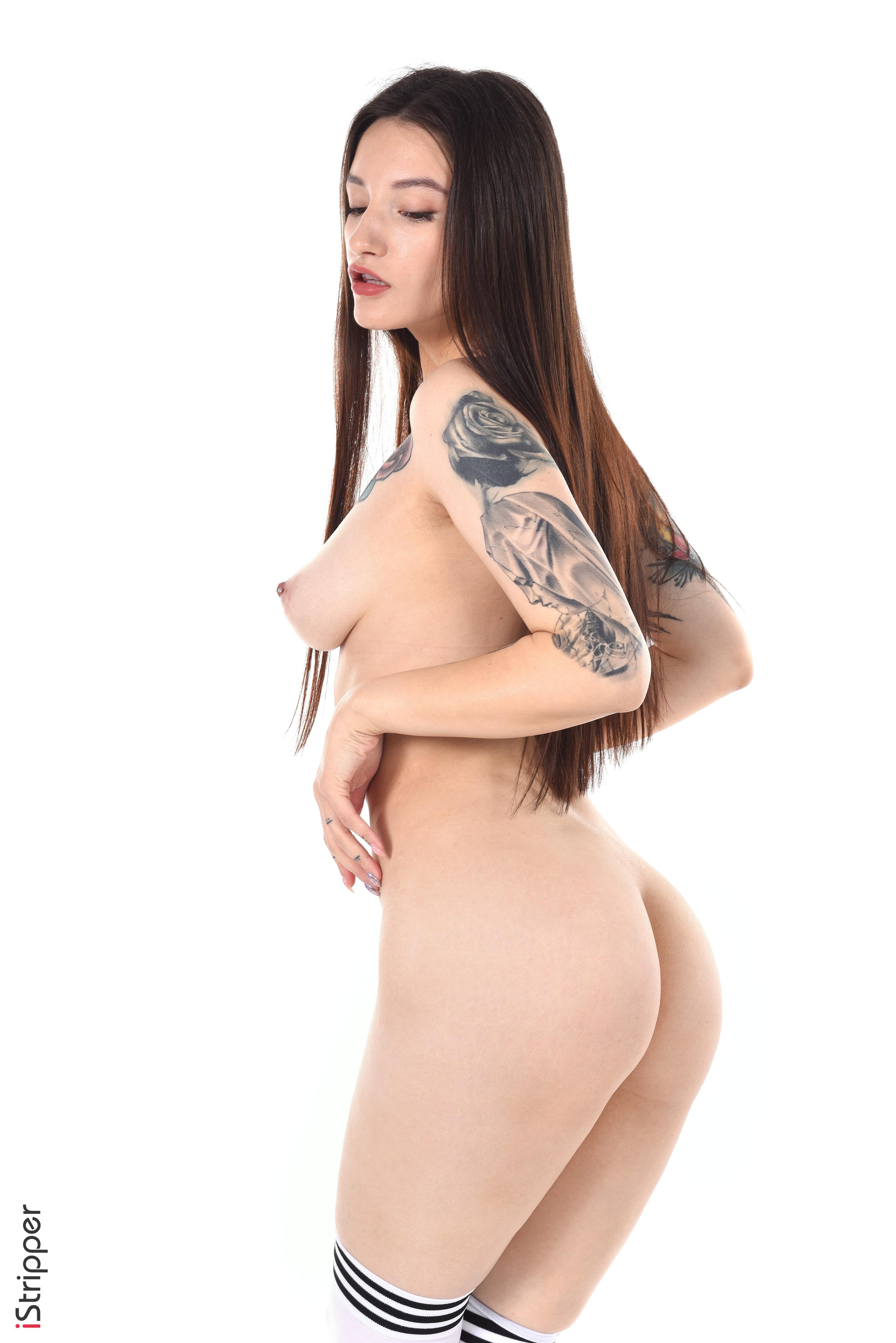 sexy babe striptease blowjob