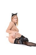 Viola Meow! istripper model