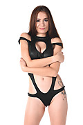 Scyley Jam Curvy Suit istripper model